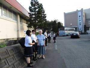 生徒の登下校時の触れ合い